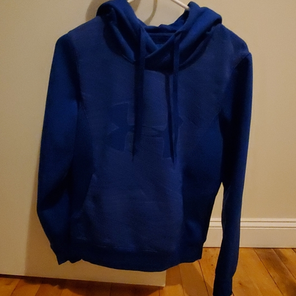 Under Armour Tops - Under armour hooded sweatshirt